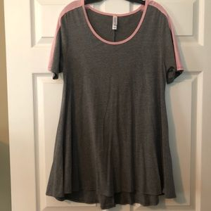 Lularoe Perfect Tee size Medium